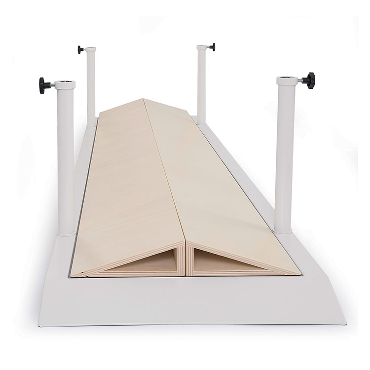 Convex platform for parallel bars