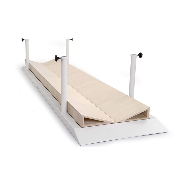 Concave platform for parallel bars