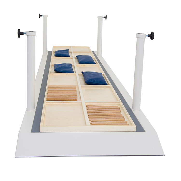 Platform with dividers for parallel bars
